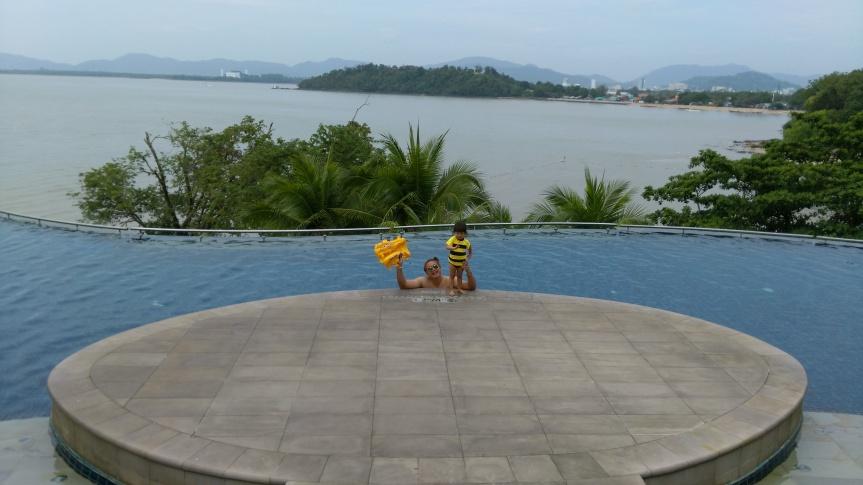 เที่ยวทะเลภูเก็ตกะแพนด้าน้อย (วันที่ 3) | LittlePanda in Phuket Day3