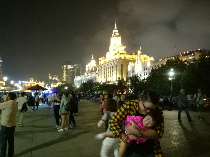 shanghai riverwalk_55.jpg